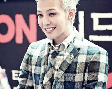 BigBang权志龙最新染发色之银白色飞机头 权志龙银色头发