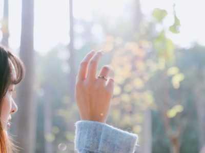 男生给女生最好的礼物是什幺 男生送女生戒指的含义