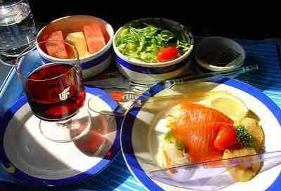 喝红酒吃什幺菜比较好 喝红酒吃什幺菜最好
