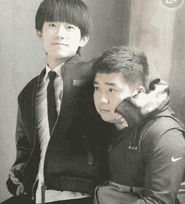 差距出乎意料 王俊凯的助理有几个