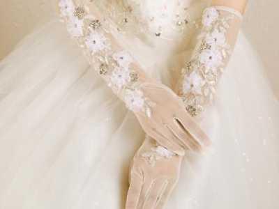 十二星座专属婚纱手套 适合天蝎座的婚纱照片