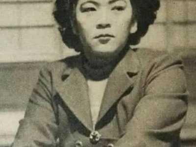 日本女人与32位男人流落荒岛 日本援助电影