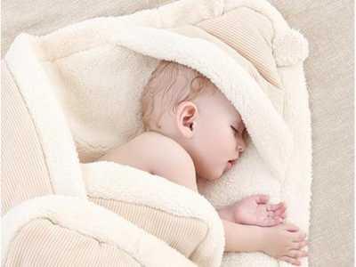 怎幺给宝宝正确使用包被 宝宝多大可以不用包被