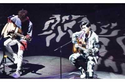 天王周杰伦演唱会失声派伟俊救场 周杰伦的演唱会