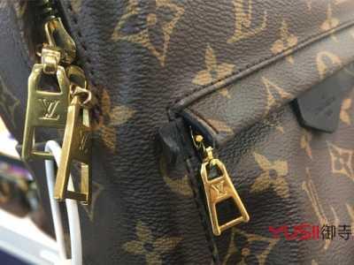怎样通过拉链来鉴定奢侈品包包的真假呢 为何大牌包包没有拉链
