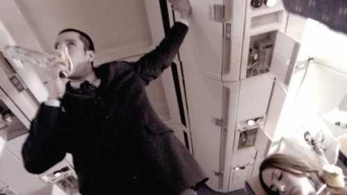 乘客却已死亡 飞机事件